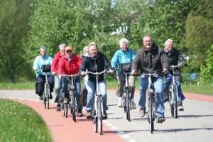 fietsen-omringdijk-huisje-schoorl